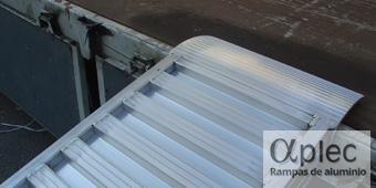 Rampas sin bordes Longitud 1.500 mm  Altura de carga 450 mm