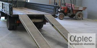 Rampas sin bordes Longitud 3.500 mm  Altura de carga 1.050 mm