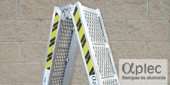Rampas plegables Longitud 1.500 mm  Altura de carga 450 mm