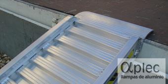 Rampas con bordes Longitud 2.000 mm  Altura de carga 600 mm