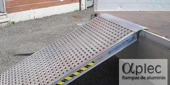 Plataformas sin bordes Longitud 2.000 mm  Altura de carga 600 mm