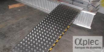 Plataformas sin bordes Longitud 3.500 mm  Altura de carga 1.050 mm