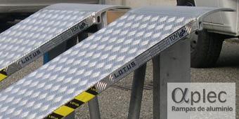 Plataformas sin bordes Longitud 4.000 mm  Altura de carga 1.200 mm