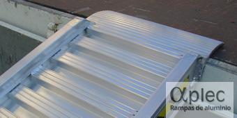Rampas con bordes Longitud 3.000 mm  Altura de carga 900 mm
